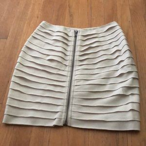 ** Silence + Noise Mini skirt size SMALL **